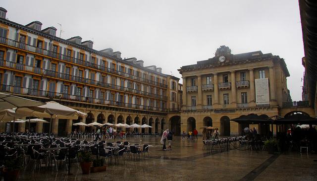 Plaza de la Constitución en San Sebastián (Guipúzcoa) - Qué visitar en el País Vasco