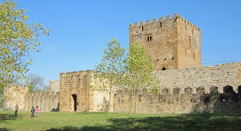 Castillo de Muñatones en Muskiz (Vizcaya) - Qué visitar en el País Vasco
