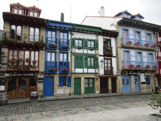 Plaza de Armas en Hondarribia - Qué visitar en el País Vasco