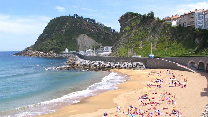 Playa de Gaztetape en Getaria (Guipúzcoa) - Que Visitar en el País Vasco
